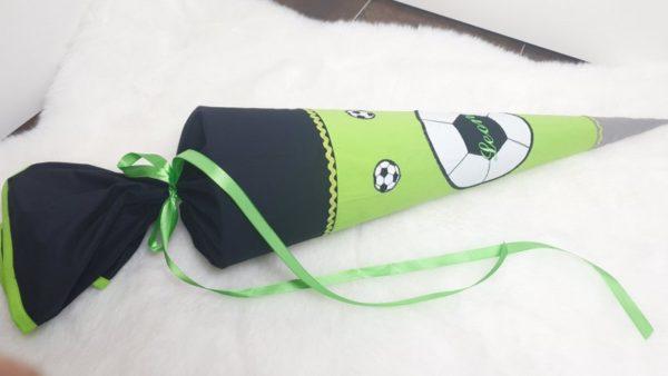 Schultüte grün Junge Fußball